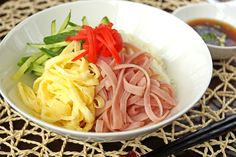 Somen is very tasty and a super easy dish, but it is a somewhat light meal by itself. Gomoku means 'variety of ingredients' in Japanese. Here I put cucumber, ham, Kinshi Tamago, and Benishoga on Somen, but you can add any of your favorite veggies or protein. With vegetables and …