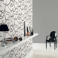 Papel pintado trazo liado negro y plata fondo blanco