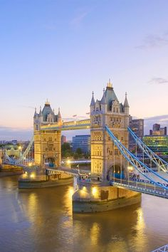 London calling! As huge fans of tea, crumpets, Kate Middleton, and everything else British, we would love to visit the U.K. this holiday.