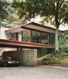 4 of 10 in Washington, DC Modern master Richard Neutra built this house on the edge of Rock Creek Park.Modern master Richard Neutra built this house on the edge of Rock Creek Park. Architecture Design, Residential Architecture, Contemporary Architecture, Chinese Architecture, Architecture Office, Futuristic Architecture, Modernisme, Modern Masters, Mid Century Modern Design