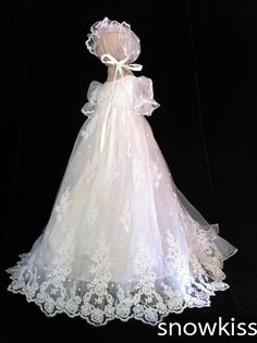 109.99$  Buy now - http://aliq1c.worldwells.pw/go.php?t=32386196480 - Gorgeous Toddler Dress Girls Christening Gown Baby Outfit White/Ivory Lace Appliques Baptism Robe With Bonnet 109.99$