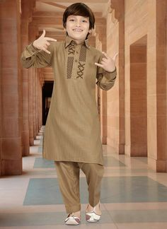 Shop your favorite Indian Kids Boys Dresses through online from Cbazaar at very best prices. Find the affordable styles of Kids Wear Boys Clothes. Gents Kurta Design, Boys Kurta Design, Kids Frocks Design, Mens Designer Shirts, Designer Suits For Men, Designer Clothes For Men, Boys Clothes Style, Kids Clothes Boys, African Wear Styles For Men