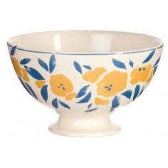 Grande contenance, faïence semée de motifs floraux naïfs et couleurs provençales pour ce Bol du Collectionneur, célèbre collection qui comprend plus de 20 modèles à collectionner passionnément !