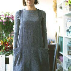 Tablier / tablier de Style japonais washed tablier en lin longue souple Croix tablier arrière / robe en noir gris-tablier en lin / non attaches tablier