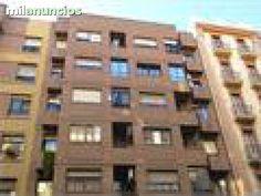 Ref: 10976 V. En venta vivienda en la zona del botanico. Finca de ladrillo caravista muy bien conservada con ascensor. La vivienda cuenta con 140 metros distribuidos en 3 dormitorios, 2 ba�os completos con ba�era muy espaciosos, sal�n comedor exterior a l