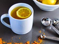 Si vous mélangez de l'eau chaude citronnée et du curcuma, vous obtiendrez une boisson de guérison puissante et un élixir parfait du matin....Matin Elixir - l'eau de citron chaud et le curcuma ...Ingrédients...
