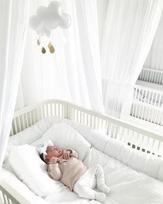 Newborn naps