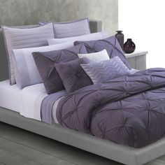Add a contemporary touch to your bedroom with this Twist duvet cover set. It would also be nice to play with different shades of purple and to also alternate them with white or grey features.