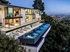 A Modern California House With Spectacular Views