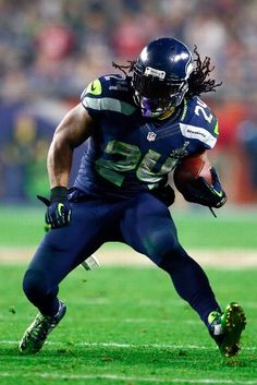 Marshawn Lynch of the Seattle Seahawks Seahawks Players, Nfl Football Players, Seahawks Fans, Seahawks Football, Bears Football, Football Pics, Nfl Seattle, Seattle Seahawks, Hello Seattle