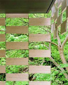 Para os amantes de arquitetura e do bom design, vamos passear os olhos pelos projetos sensacionais do renomado arquiteto japones, KENGO KUMA, começando pelo que ele fez para uma loja do Starbucks em Fukuoka no Japão.  Como ele trabalha bem a madeira, adorei! A pessoa deve se sentir dentro de
