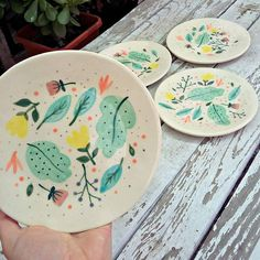 - Best ideas for decoration and makeup - Painted Ceramic Plates, Hand Painted Ceramics, Ceramic Painting, Porcelain Ceramics, Ceramic Pottery, Pottery Art, Hand Painted Pottery, Pottery Painting Designs, Paint Designs