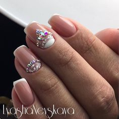 Having short nails is extremely practical. The problem is so many nail art and manicure designs that you'll find online Bride Nails, Wedding Nails, French Nails, Love Nails, Pretty Nails, Nagel Bling, Uñas Fashion, Luxury Nails, Rhinestone Nails