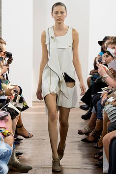 J.W.Anderson Spring 2015 Ready-to-Wear Fashion Show - Marta Placzek