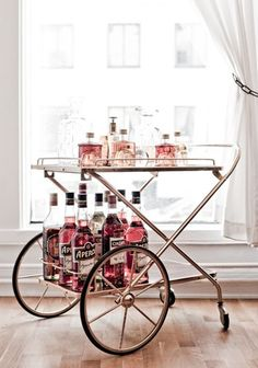 5 stunning ways to style your bar cart bar inspiration und barwagen. Black Bedroom Furniture Sets. Home Design Ideas