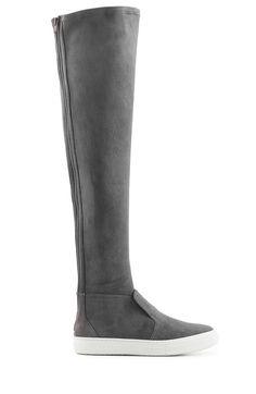 PIERRE HARDY Overknees Aus Veloursleder. #pierrehardy #shoes #stiefel