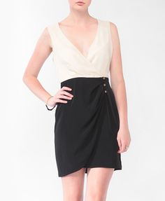 Contrast Surplice Wrap Dress   FOREVER21 - 2000042438