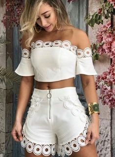 Shorts Vanilla Off White Hot Pants, Mode Outfits, Casual Outfits, Mein Style, Pinterest Fashion, Cute Summer Outfits, African Fashion, Casual Chic, Ideias Fashion