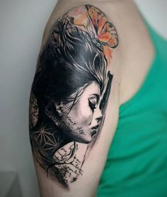 réalisme avantgarde Carolina Avalle - woman tattoo