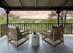 Safari mit Retro-Feeling: Kirkman's Kamp - The Chill Report Safari, Retro, Africa, Deck, Adventure, Feelings, Luxury, Outdoor Decor, Design