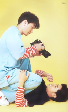 Krist and Singto They are soo cute Gay Aesthetic, Theory Of Love, Lgbt Love, Asian Love, Love Scenes, Cute Gay Couples, Korean Couple, Cute Actors, Thai Drama