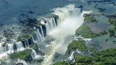 Iguazú Falls or Iguaçu Falls are waterfalls of the Iguazu River on the border of the Argentine province of Misiones and the Brazilian state of Paraná. Iguazu National Park, Parc National, National Parks, Brazil Argentina, Argentina Animals, Jog Falls, Puerto Iguazu, American Falls, Famous Waterfalls