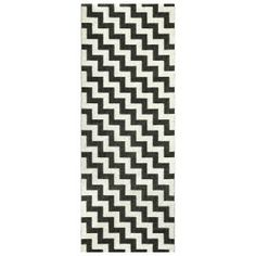 Practical and stylish in one! Gunnel plastic rug in black and white is available in many sizes that can be combined with each other. Because of its special material, the rug is easy to clean and is perfect in both the dining room and the living room. Black White Rug, White Rugs, Black Carpet, Rug Runner, Shag Rug, Sweden, Interior Decorating, Interior Design, Scandinavian