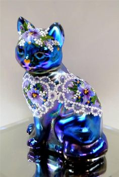 Fenton Cat - Violets on Lace Hearts