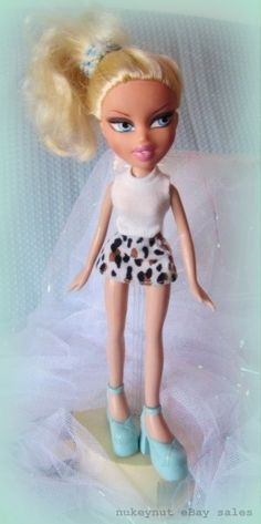 Bratz Cloe in First Edition outfit