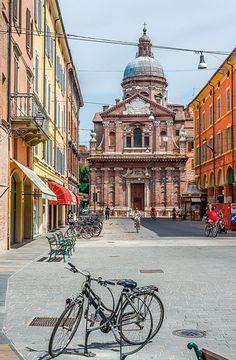 Qué hacer en #Modena (además de comer en el mejor restaurante del mundo, claro) #viajes #Italia #planes #escapadas
