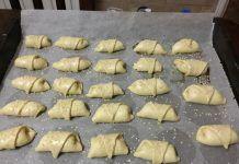 Greek Recipes, Muffin, Breakfast, Food, Morning Coffee, Essen, Greek Food Recipes, Muffins, Meals