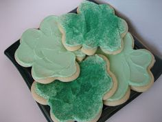 Peppermint Plum: {Thick, Soft Sugar Cookies}... Sugar cookies made with sour cream?!?