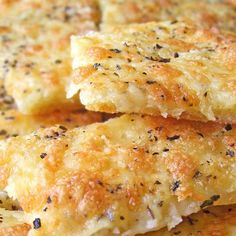 Easy Cheesy Garlic Breadsticks @keyingredient #cheese #cheesy #easy