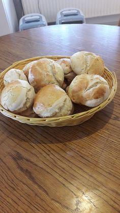 Die schnellsten Brötchen der Welt, ein sehr schönes Rezept aus der Kategorie Brot und Brötchen. Bewertungen: 648. Durchschnitt: Ø 4,3.