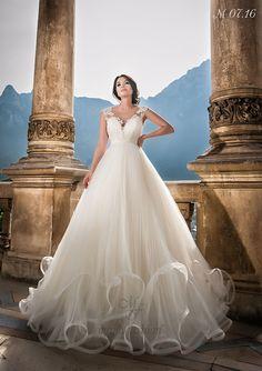 Model M07.16 Wedding Dress Trends, Elegant Wedding Dress, Perfect Wedding Dress, Dream Wedding Dresses, Designer Wedding Dresses, One Shoulder Wedding Dress, Wedding Gowns, Romanian Wedding, Maya Fashion