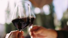 How expensive wines can trick your #brain http://www.chicagotribune.com/lifestyles/health/sc-hlth-expensive-wine-tricks-brain-0823-story.html