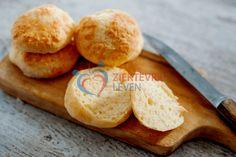 Koolhydraatarme-hamburger-brood-(13) Crackers, Toast, Low Carb, Lunch, Bread, Cheese, Diet, Healthy, Foods