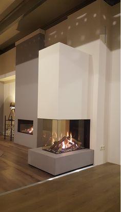 De DRU Maestro 75XTU inbouw gashaard. Een gashaard voorzien van drie hoge ruiten met perfect zicht op het vuur! Wall Units With Fireplace, Home Fireplace, Modern Fireplace, Living Room With Fireplace, Fireplace Design, Home Living Room, Living Room Decor, Fireplace Ideas, Freestanding Fireplace