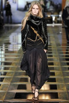 Roberto Cavalli Fall 2010 Ready-to-Wear Collection Photos - Vogue