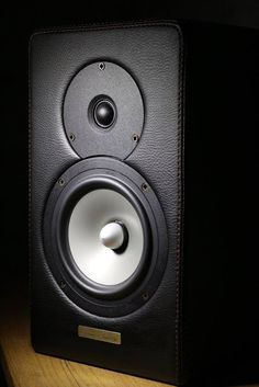 Mono and Stereo High-End Audio Magazine: Sound Fidelity F-1 speakers