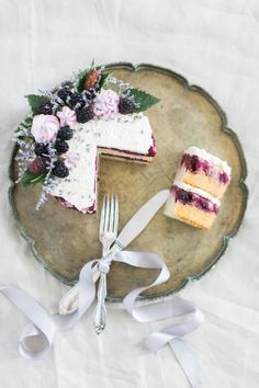 Blackberry lavender cake - TheSchoolofStyling.com & Heritage Organic Cakes