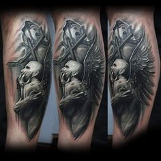 3D mystische Engel-Statue Tattoo am Bein - Tattooimages.biz
