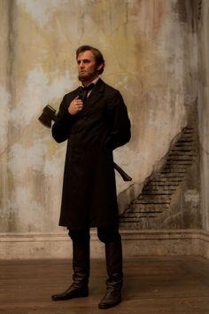 Benjamin Walker es Abraham Lincoln Abraham Lincoln Vampire Hunter, Dominic Cooper, Benjamin Walker, John Carradine, Dracula Untold, Interview With The Vampire, Graveyard Shift, Dusk Till Dawn, Mike Mignola