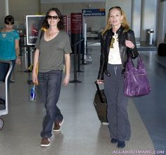 Catherine Willows and Sara Sidle   sábado, 20 de agosto de 2011