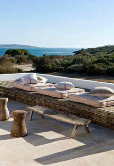 40 Lovely Coastal Terraces And Patios Design Ideas - Terrasse Outdoor Seating, Outdoor Spaces, Outdoor Living, Outdoor Decor, Porch And Terrace, Terrace Garden, Living Haus, Diy Pergola, Diy Garden Decor