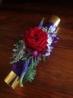 Christmas cracker with fresh flowers