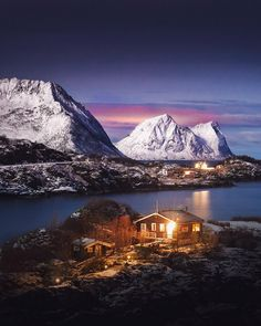 Cabin vibes at Senja Islands. Have a good day guys! by kpunkka