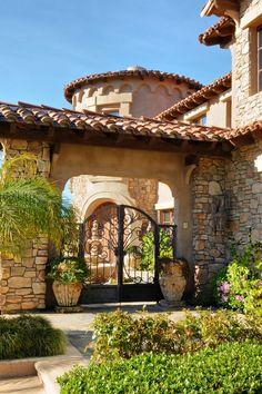 A Mediterranean Ranch via Pinterest #CourtYard #Landscape #Outdoor ༺༺ ❤ ℭƘ ༻༻ IrvineHomeBlog.com