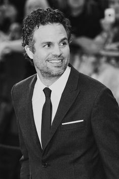 Today (Nov. 22nd, 2013) is the 46th birthday of this amazing man, Mark Ruffalo. Mark has not only given us the best Bruce Banner since Bill Bixby, but he has such an awesome heart for his work and for his family. Happy Birthday, Mark Ruffalo! Thank you for all that you do!