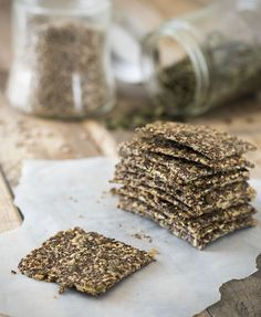 Crackers of seeds BioToday ☆ Keto Healthy Crackers, Low Carb Crackers, Savory Snacks, Healthy Snacks, Raw Food Recipes, Low Carb Recipes, Baking Recipes, Clean Recipes, Snack Recipes